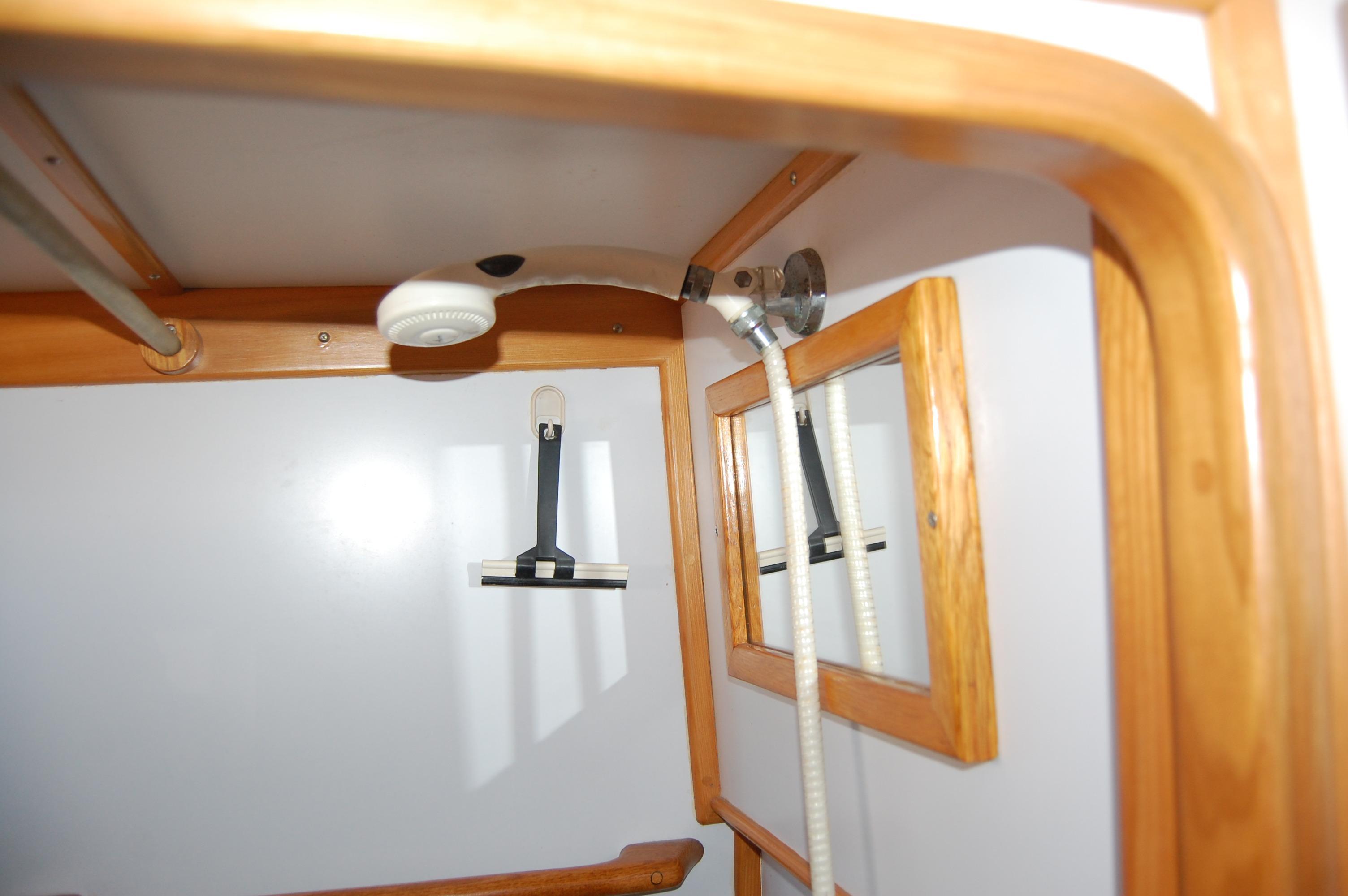 47' Tayana Center Cockpit Cutter+Photo 24