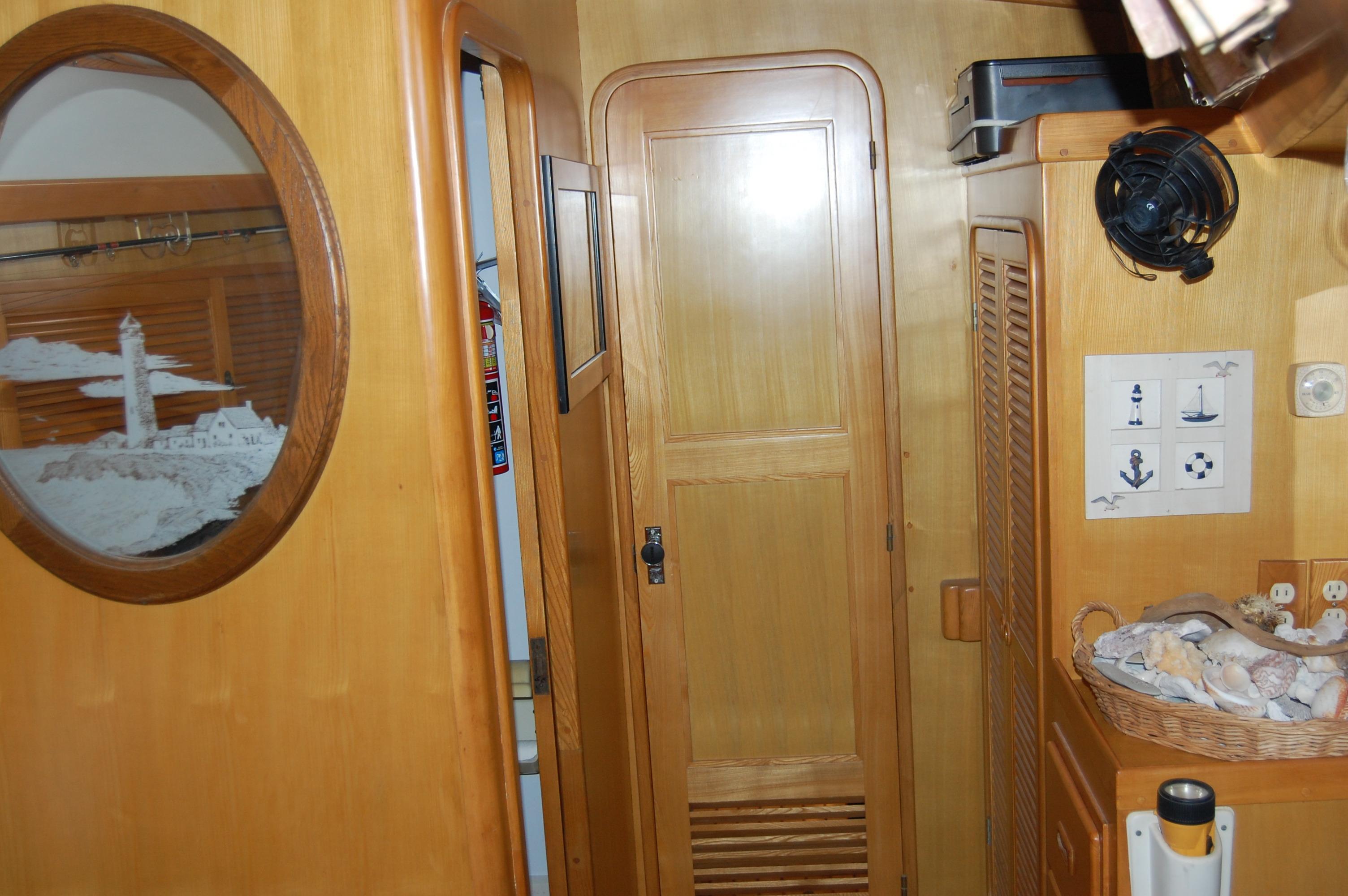 47' Tayana Center Cockpit Cutter+Photo 36