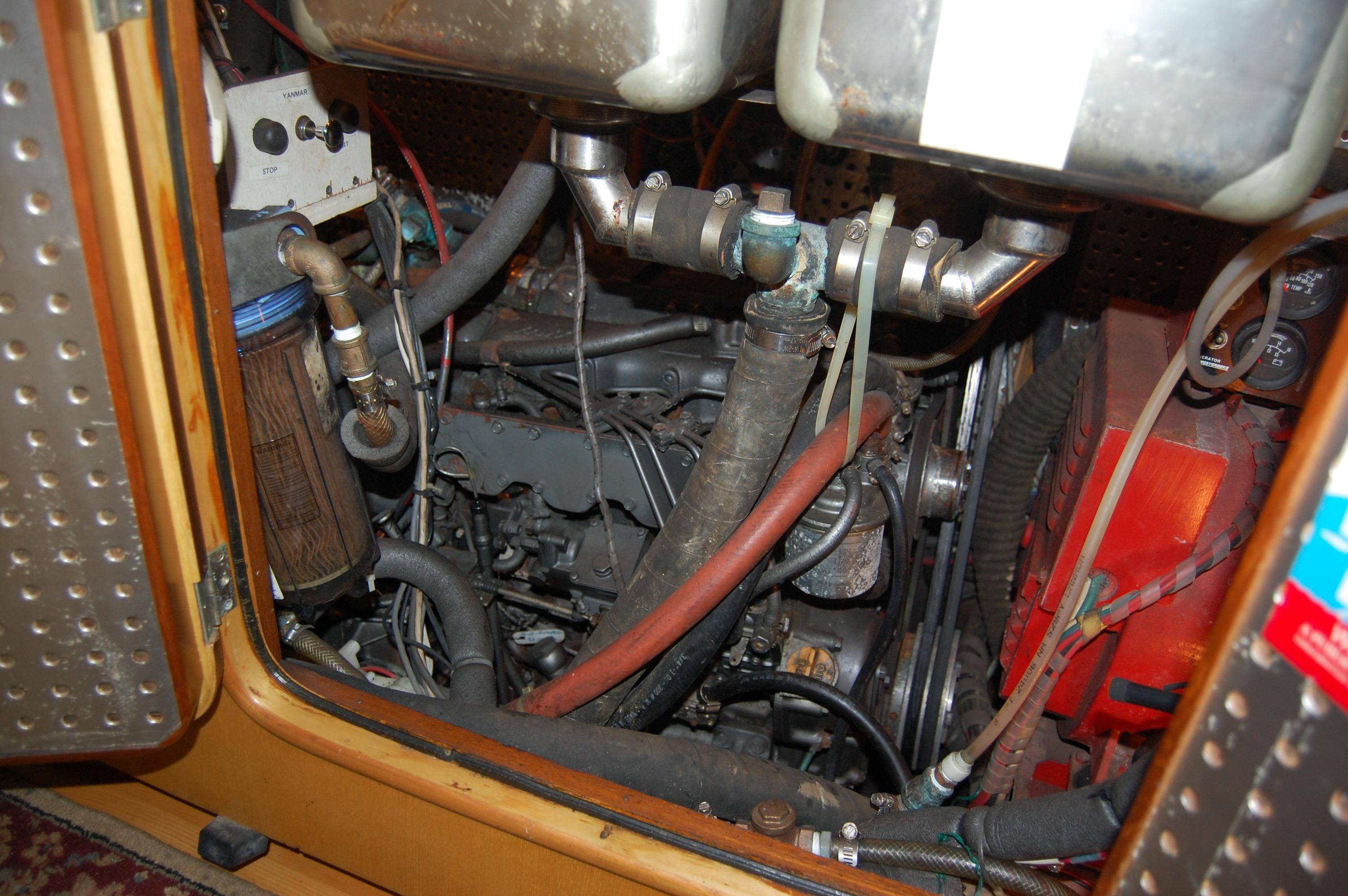 47' Tayana Center Cockpit Cutter+Photo 41