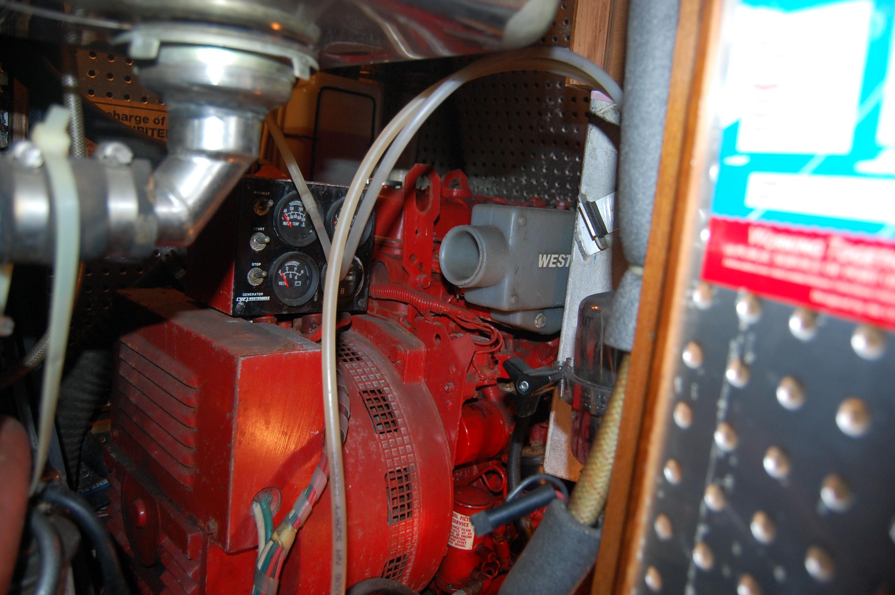 47' Tayana Center Cockpit Cutter+Photo 43