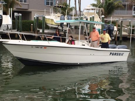 1990 Pursuit 2550 Center Console