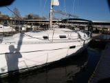 photo of 35' Beneteau 361