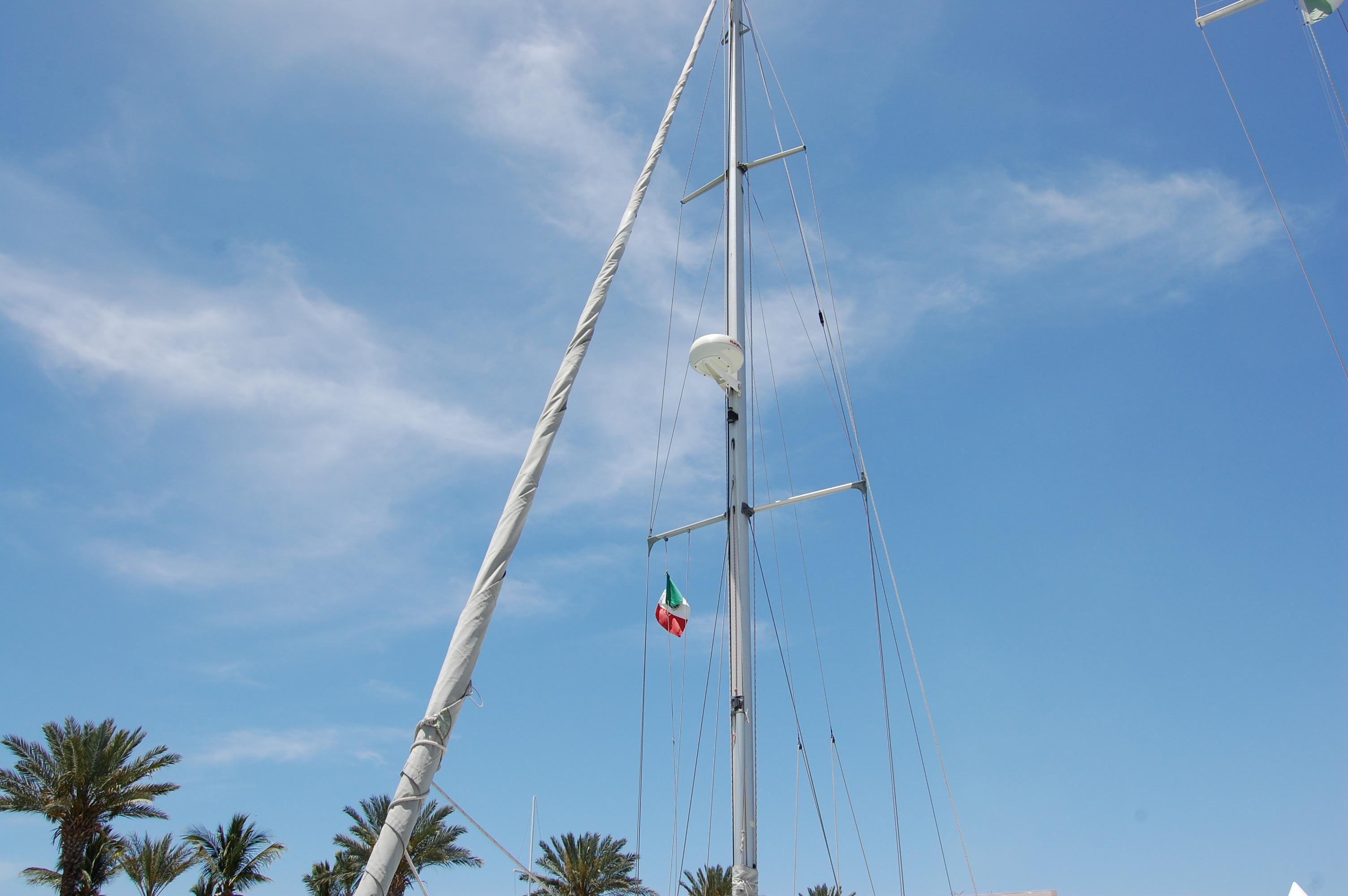 35' Beneteau Oceanis 350+Photo 5