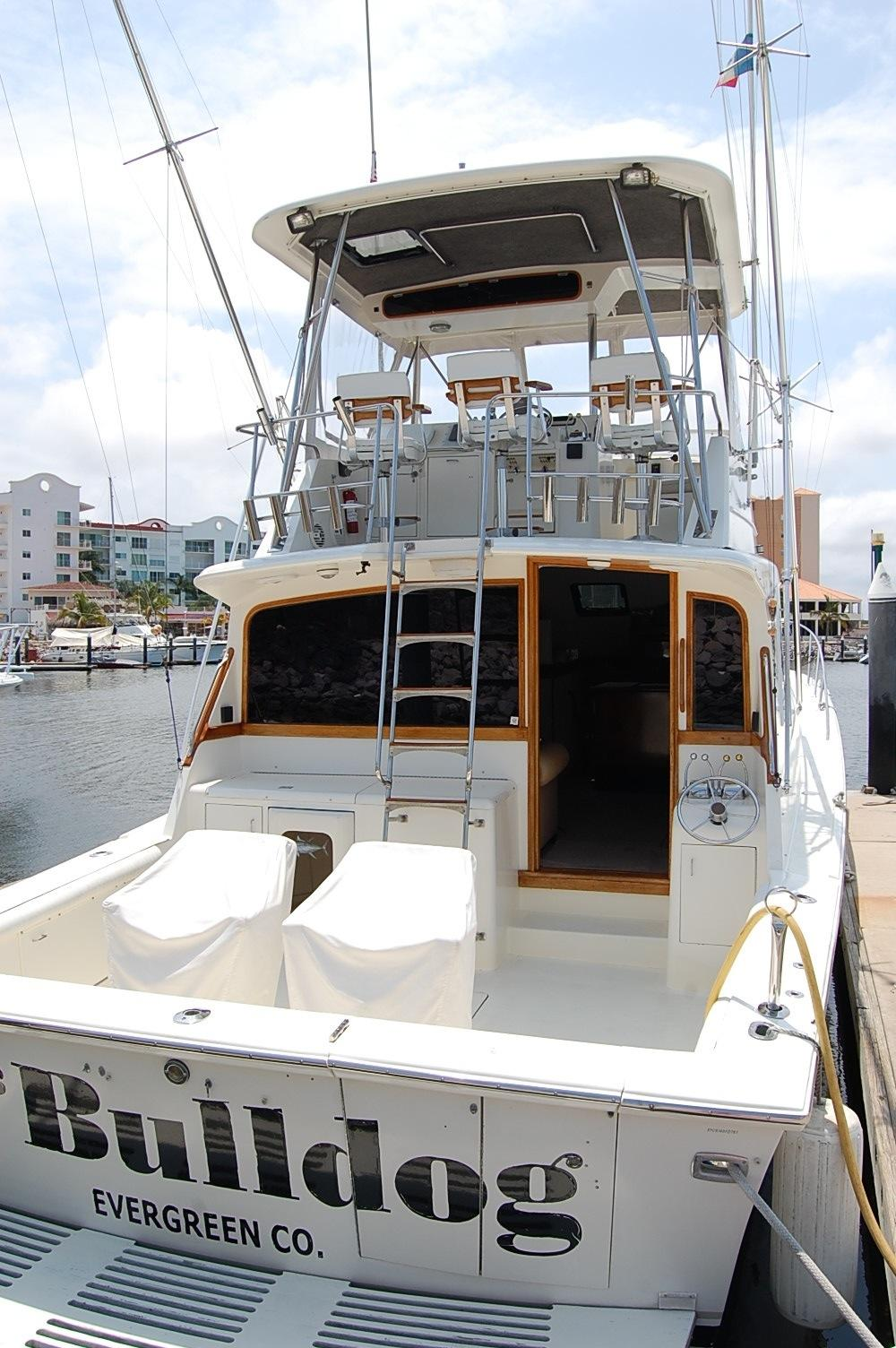 48' Ocean Yachts Super Sport+Starboard Close up