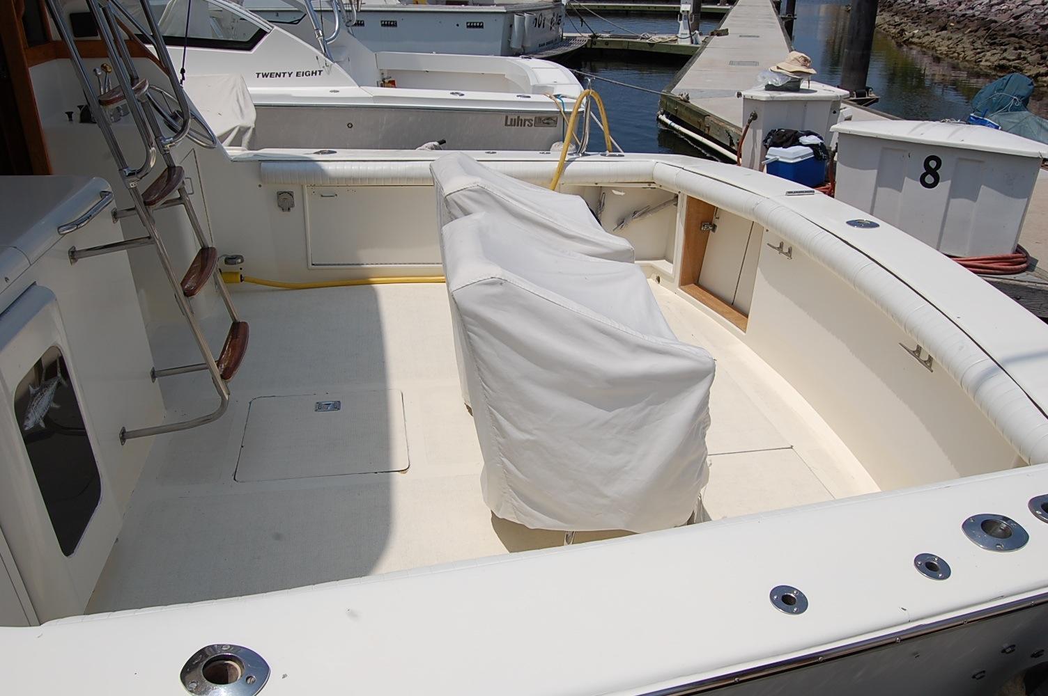 48' Ocean Yachts Super Sport+Cockpit Fridge/ Ice Box