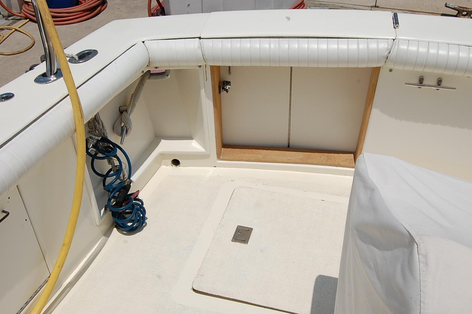 48' Ocean Yachts Super Sport+Ladder View