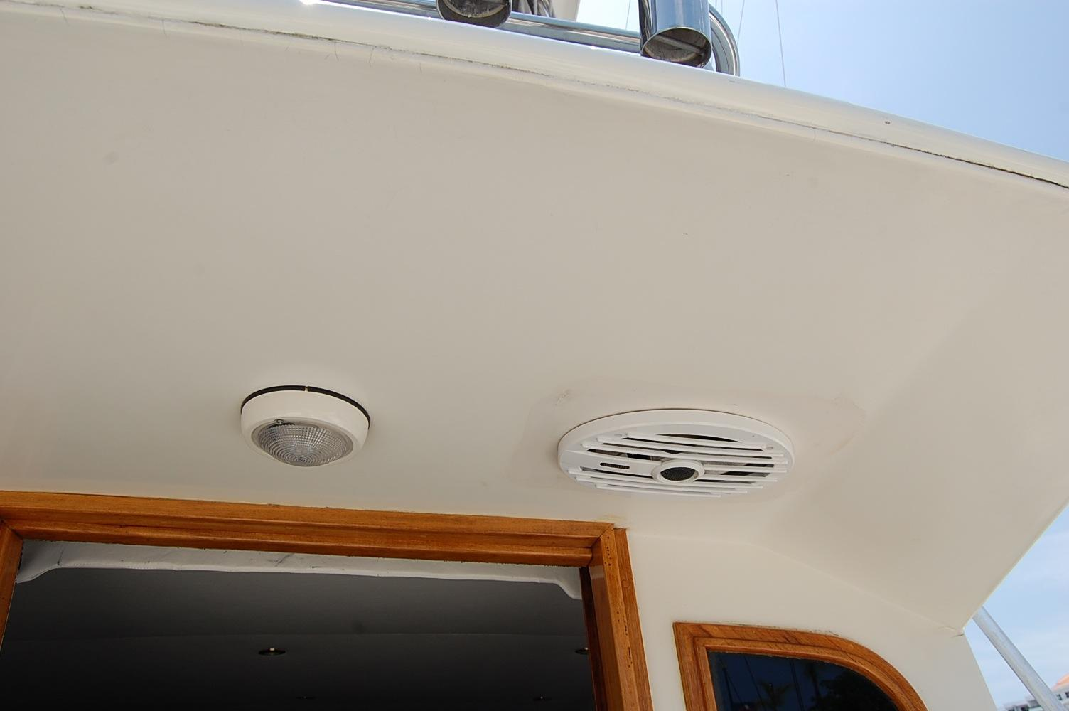 48' Ocean Yachts Super Sport+Speakers and rod holders Port