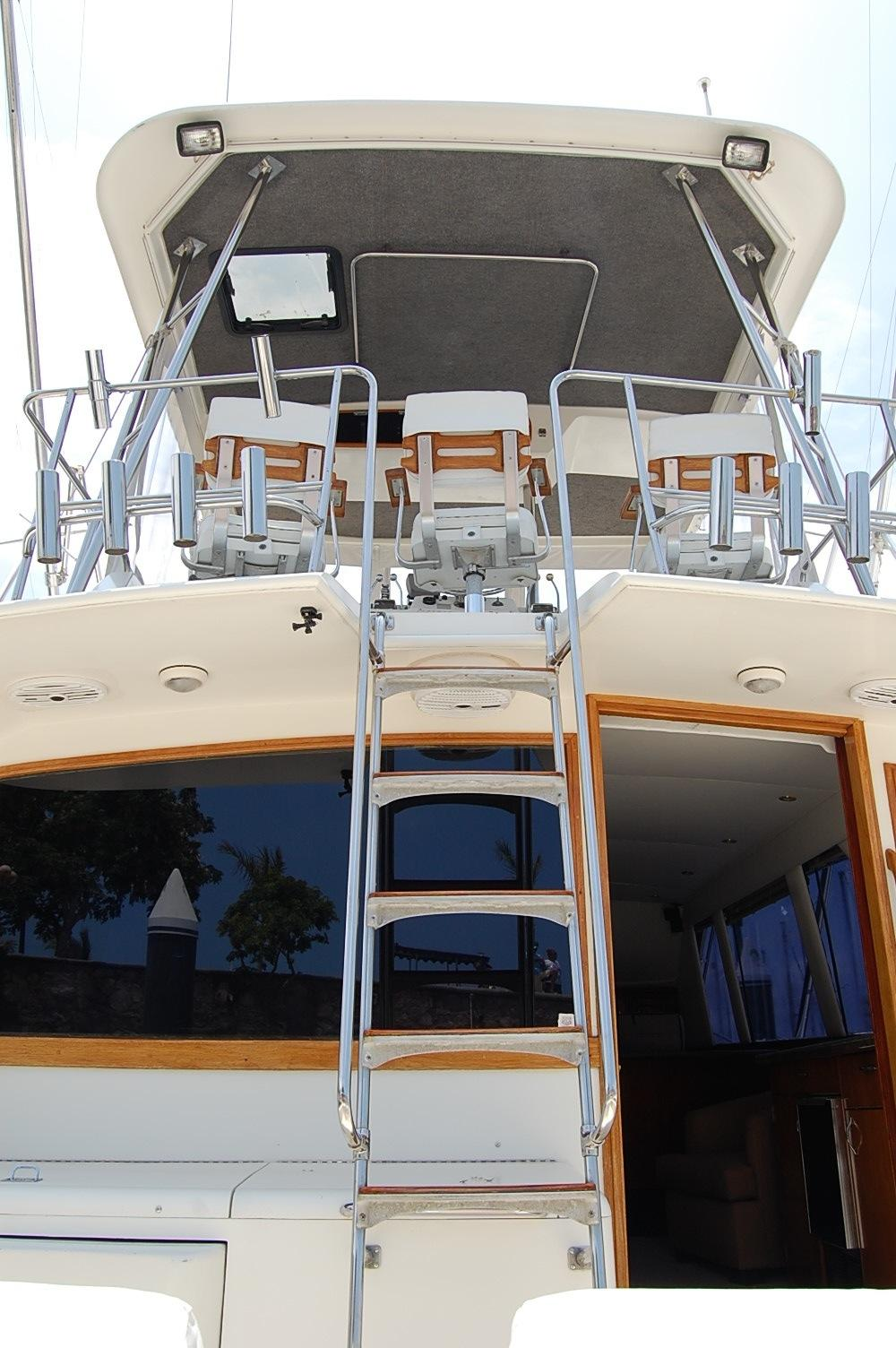 48' Ocean Yachts Super Sport+View into Salon