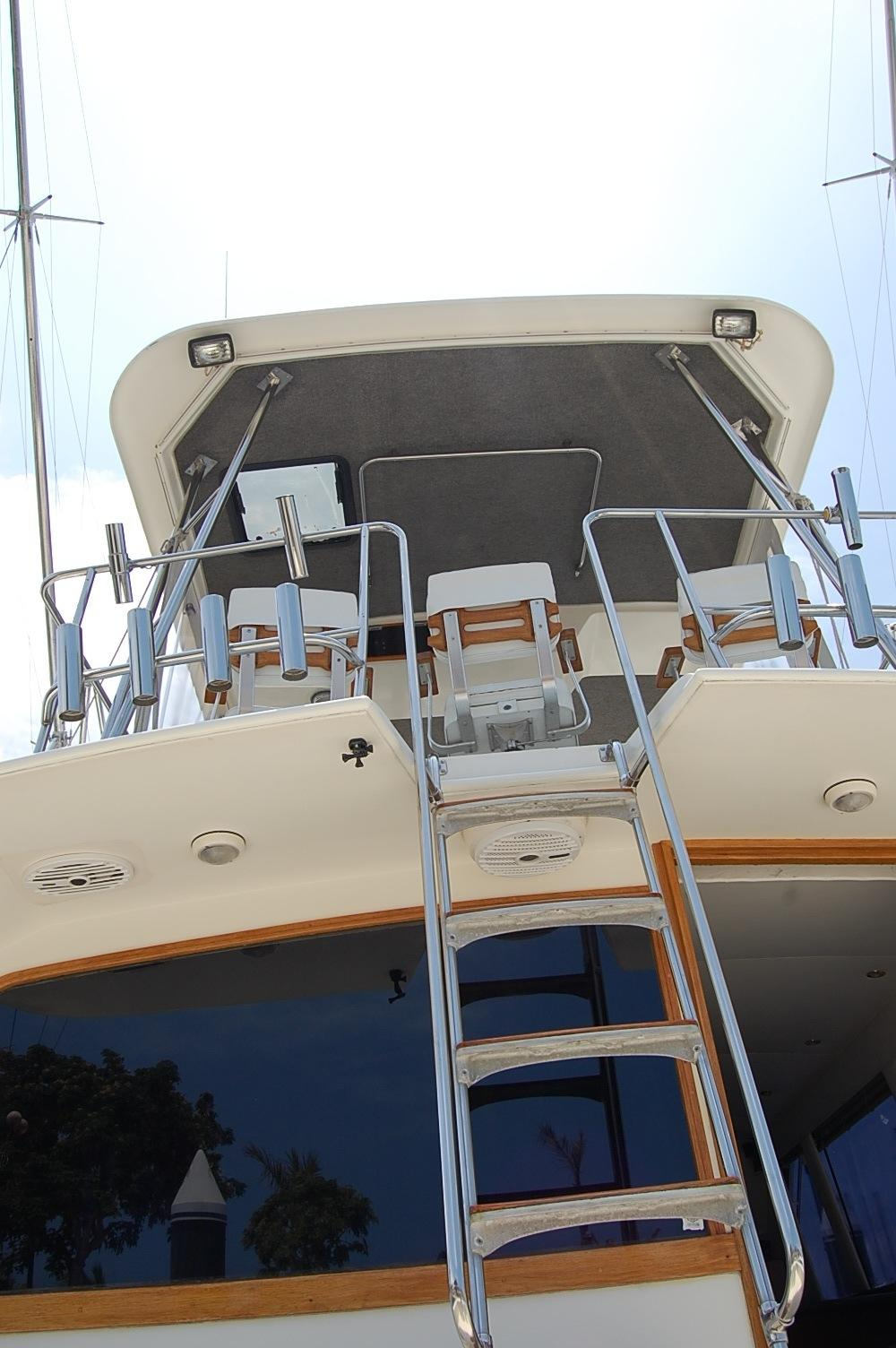 48' Ocean Yachts Super Sport+One of Two Fighting Chairs