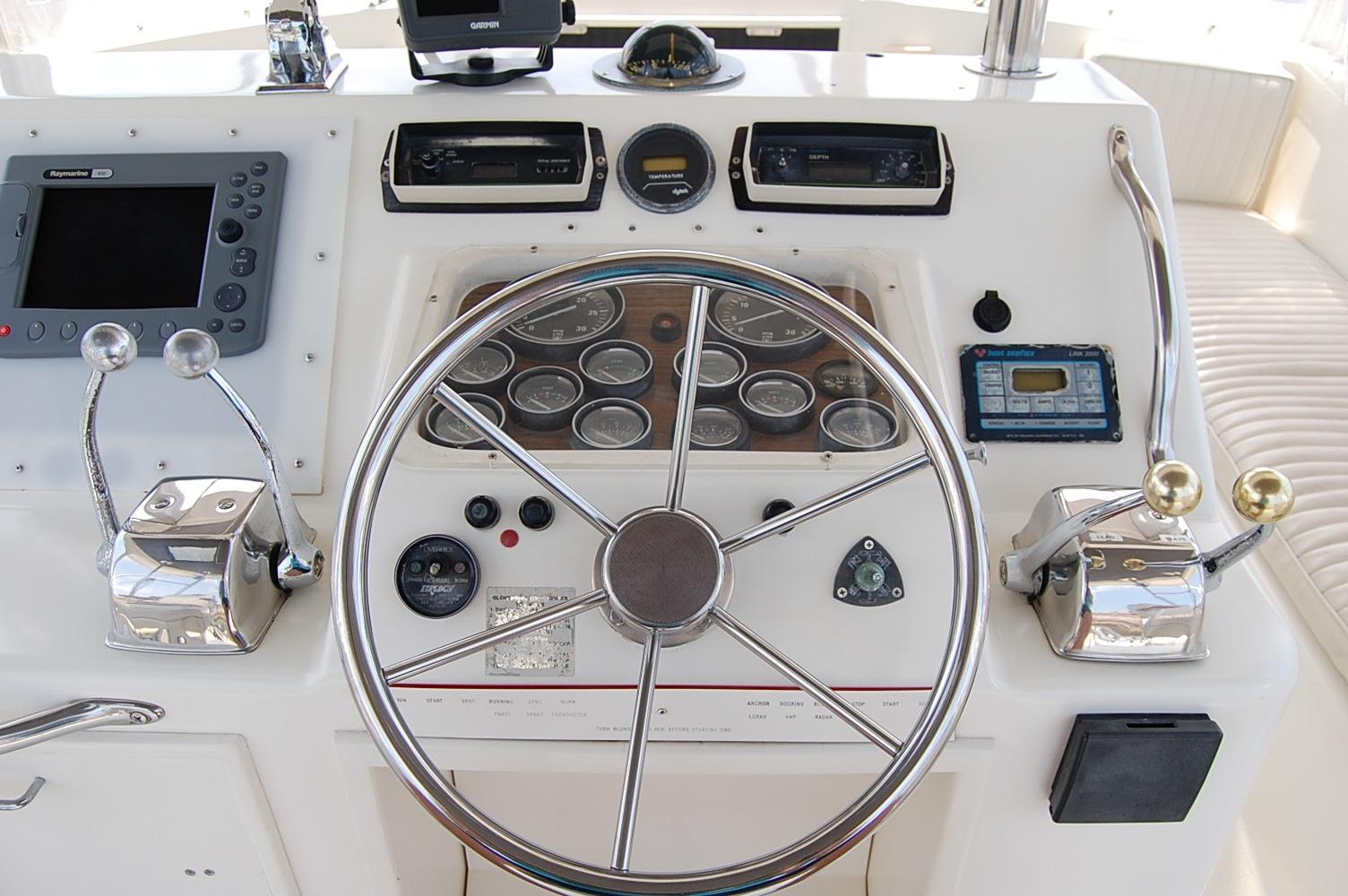 48' Ocean Yachts Super Sport+Helm and Gauges