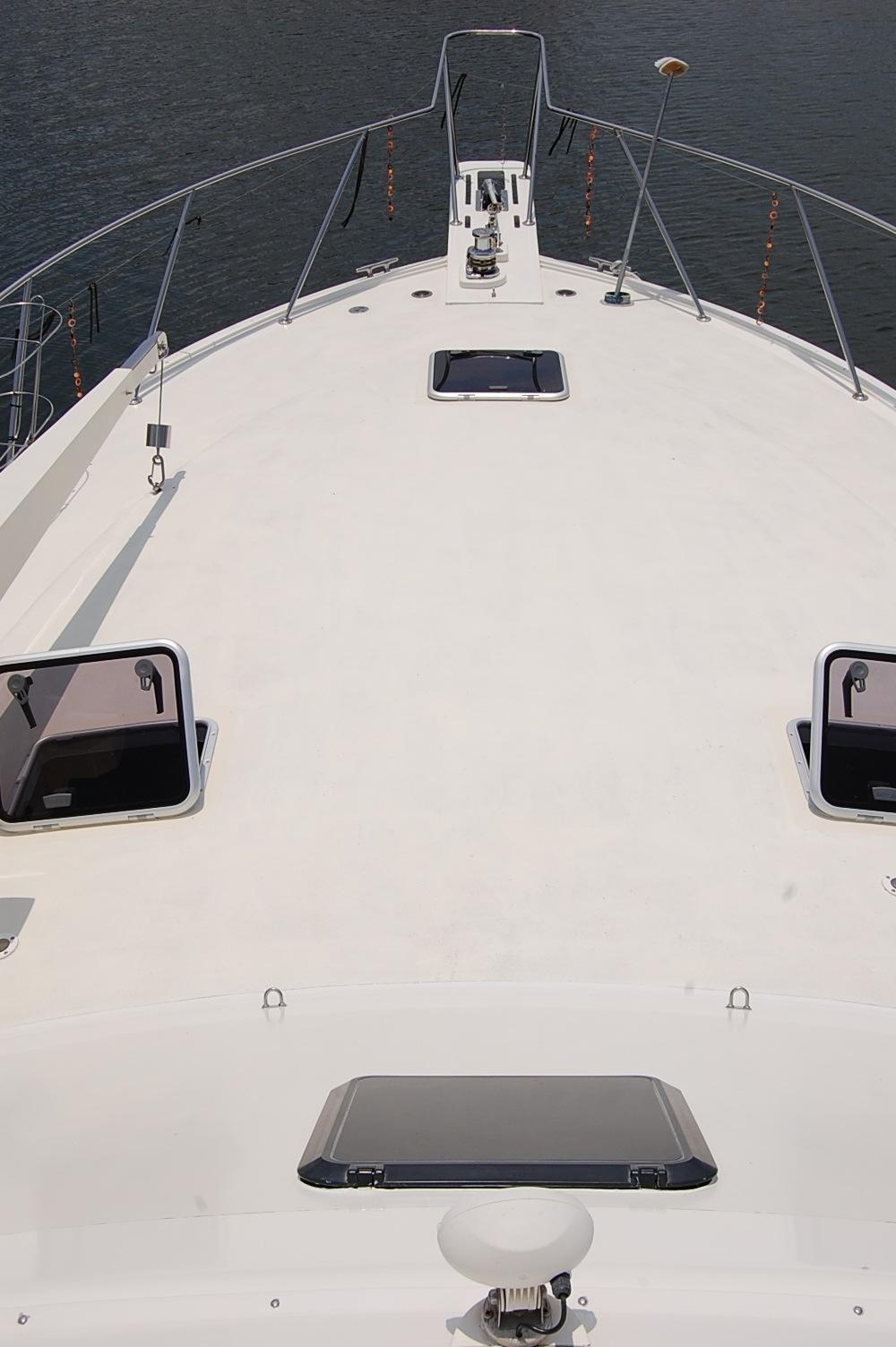 48' Ocean Yachts Super Sport+View From Helm look forward Bow
