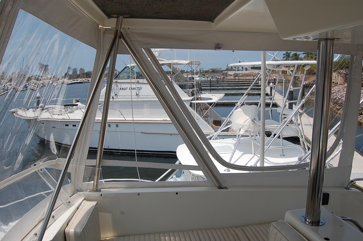 48' Ocean Yachts Super Sport+View loping aft Port