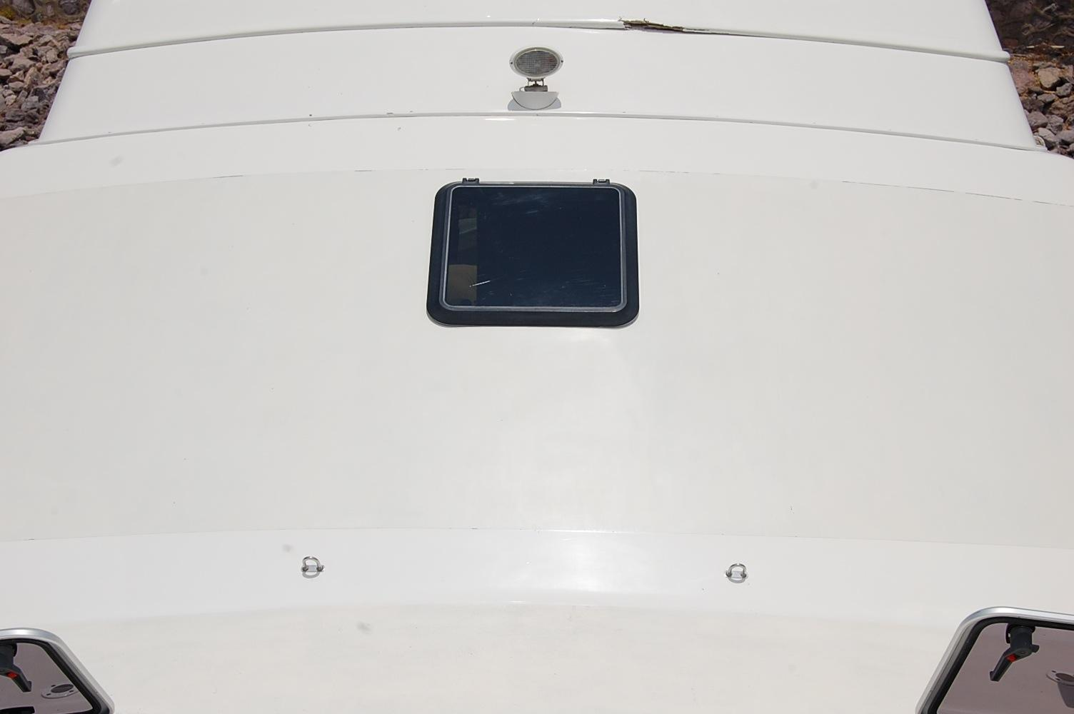 48' Ocean Yachts Super Sport+Port Side Fender storage