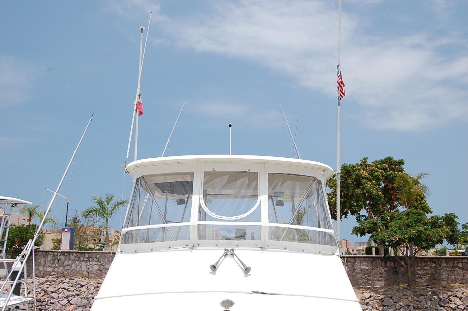 48' Ocean Yachts Super Sport+Starboard Fender Storage