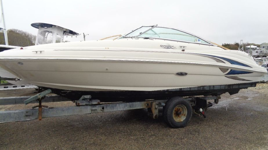2001 Sea Ray 210 Sundeck Power New and Used Boats for Sale