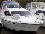 photo of 38' Broom 370