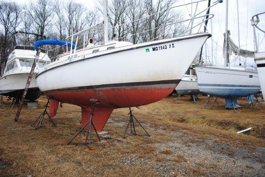 1984 Seafarer Masthead Sloop