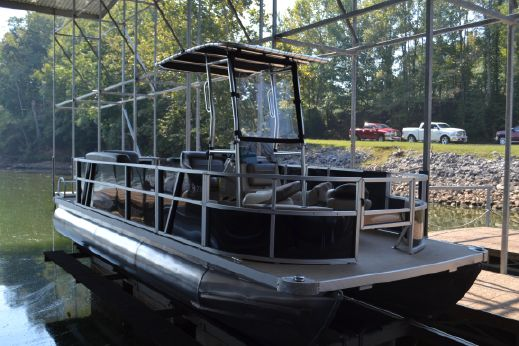 2016 Skippers Custom I Fish 23
