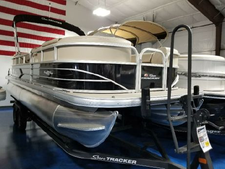 2018 Suntracker PARTY BARGE® 22 DLX