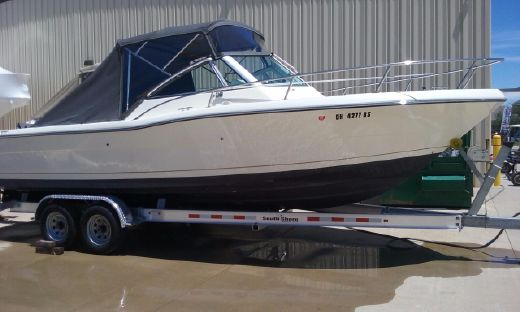 1996 Pursuit 2460 Denali
