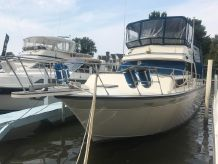 1989 Marinette 37 Aft Cabin Marquis Edition