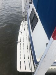 thumbnail photo 1: 1989 Marinette 37 Aft Cabin Motor Yacht Marquis Edition