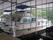 1987 Harbor Master Houseboat