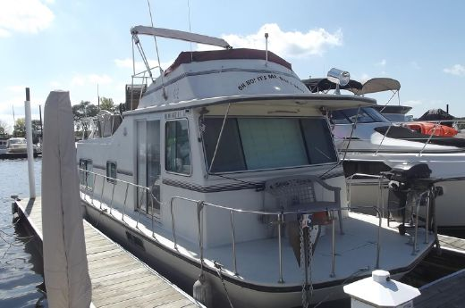 1984 Harbor Master 37