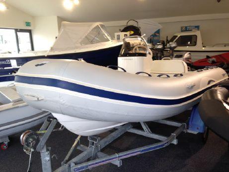2011 Quicksilver OceanRunner 410