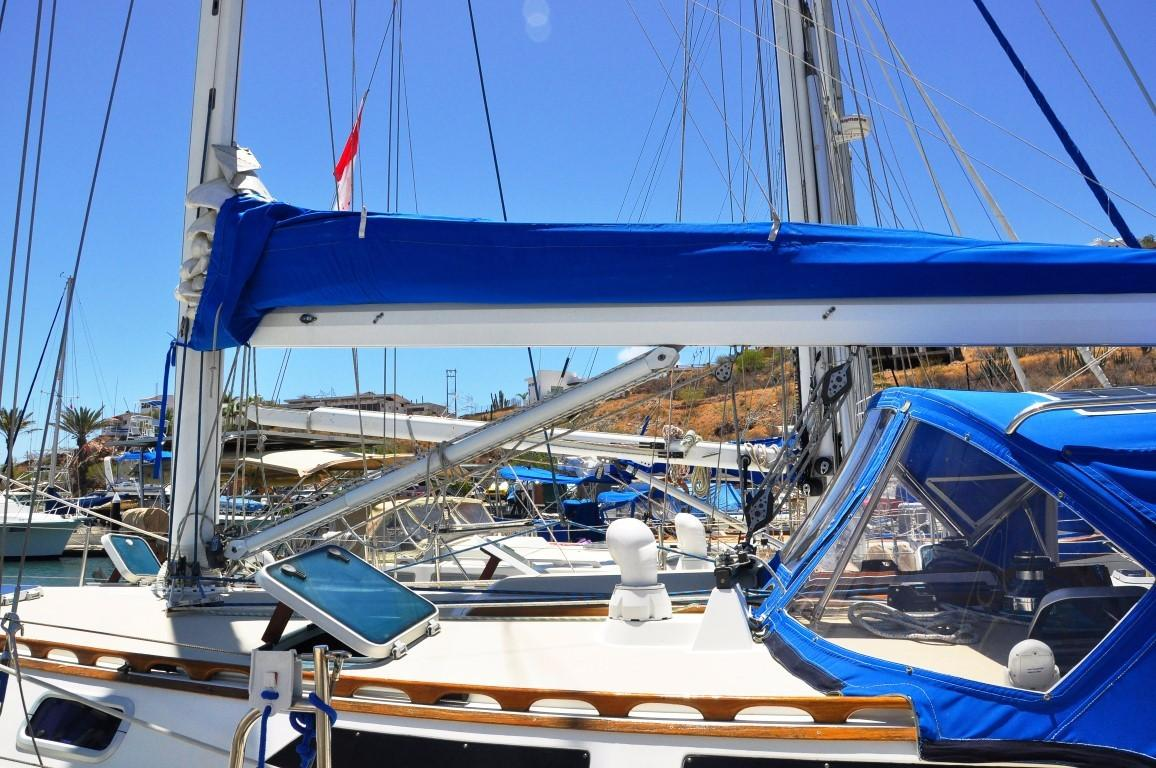 42' Catalina MKI+Photo 50