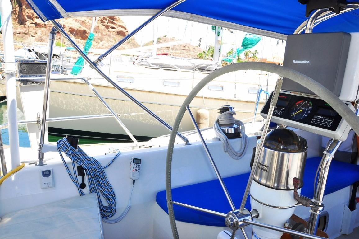 42' Catalina MKI+Photo 43