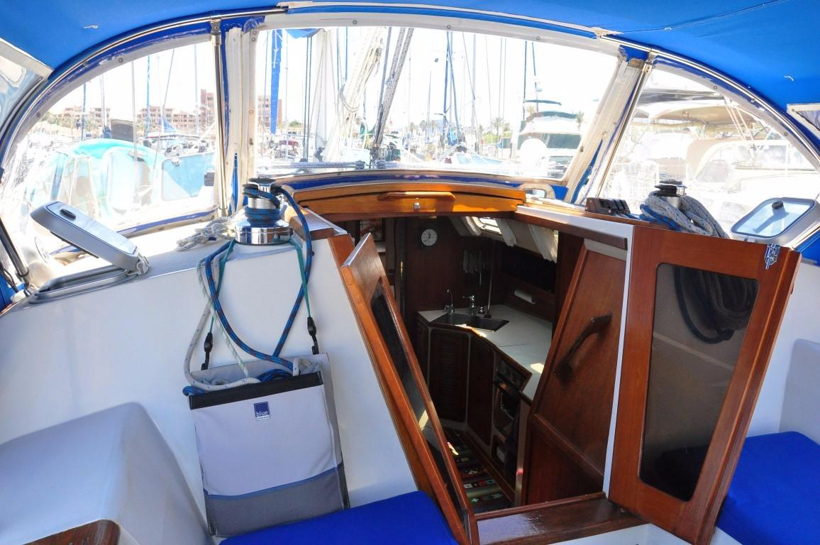 42' Catalina MKI+Photo 38