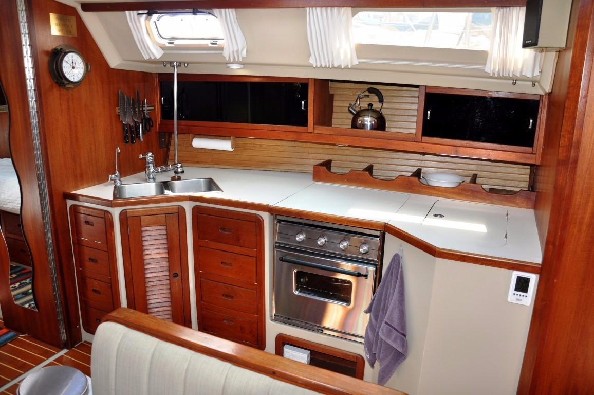 42' Catalina MKI+Photo 9