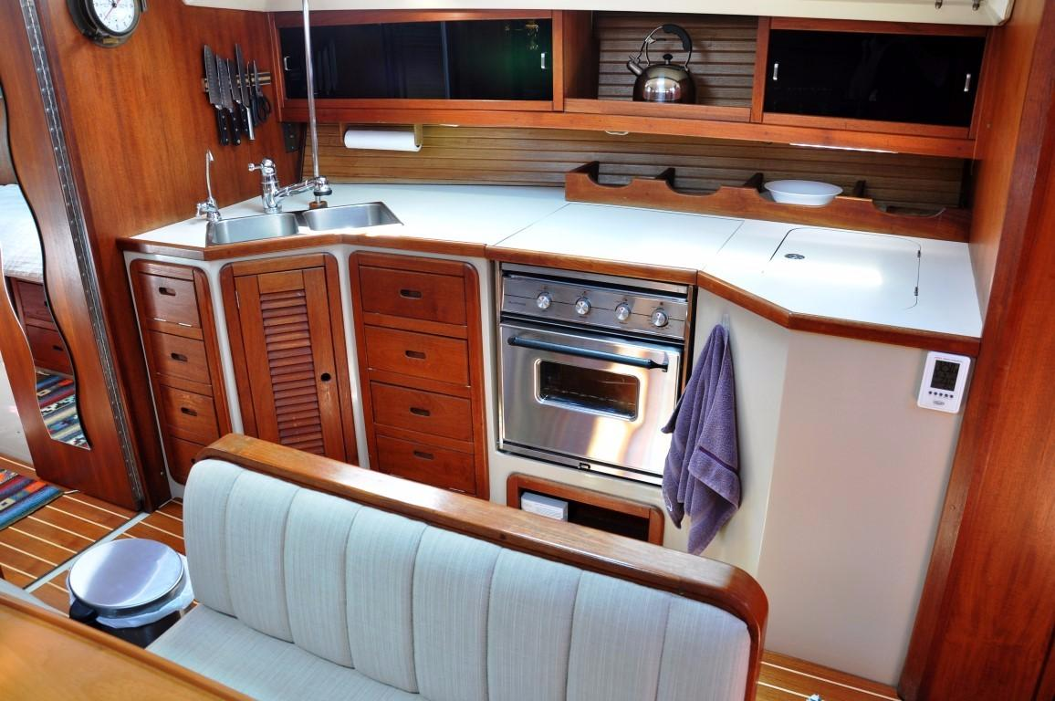 42' Catalina MKI+Photo 10