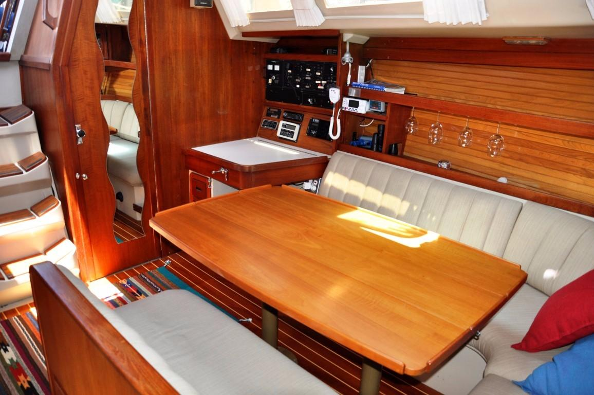 42' Catalina MKI+Photo 12