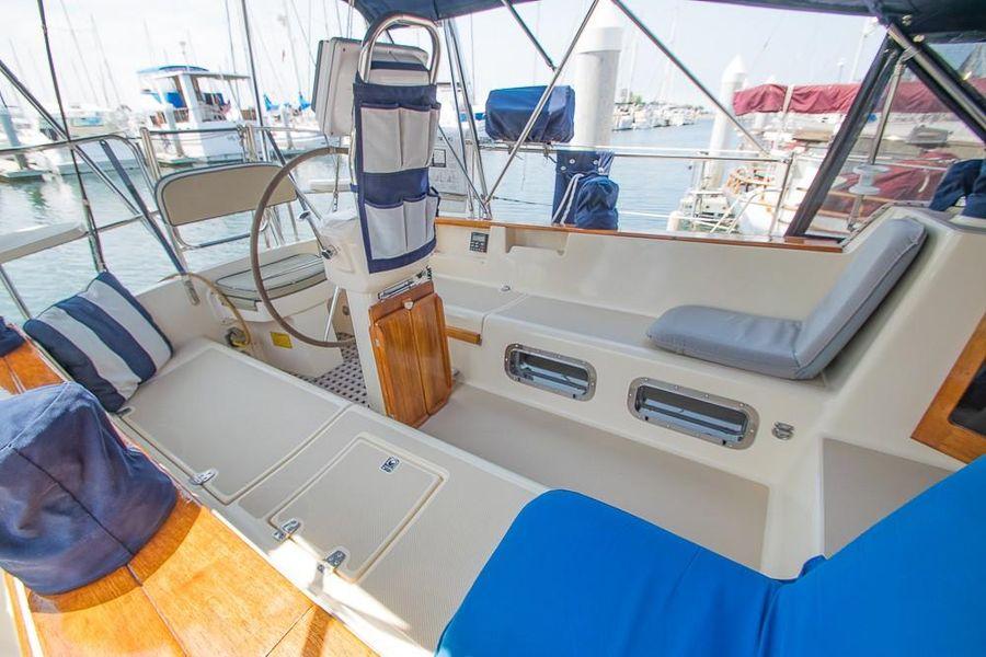 Island Packet 45 Sailboat Cockpit