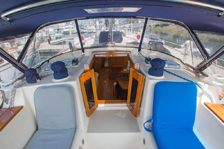 Island Packet 45 Sailboat Salon Entrance