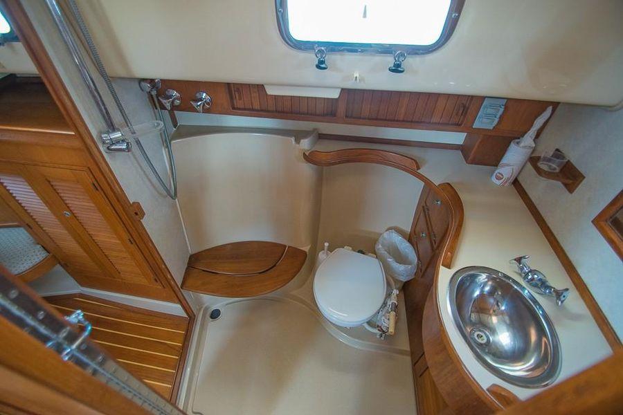 Island Packet 45 Sailboat Bathroom Head