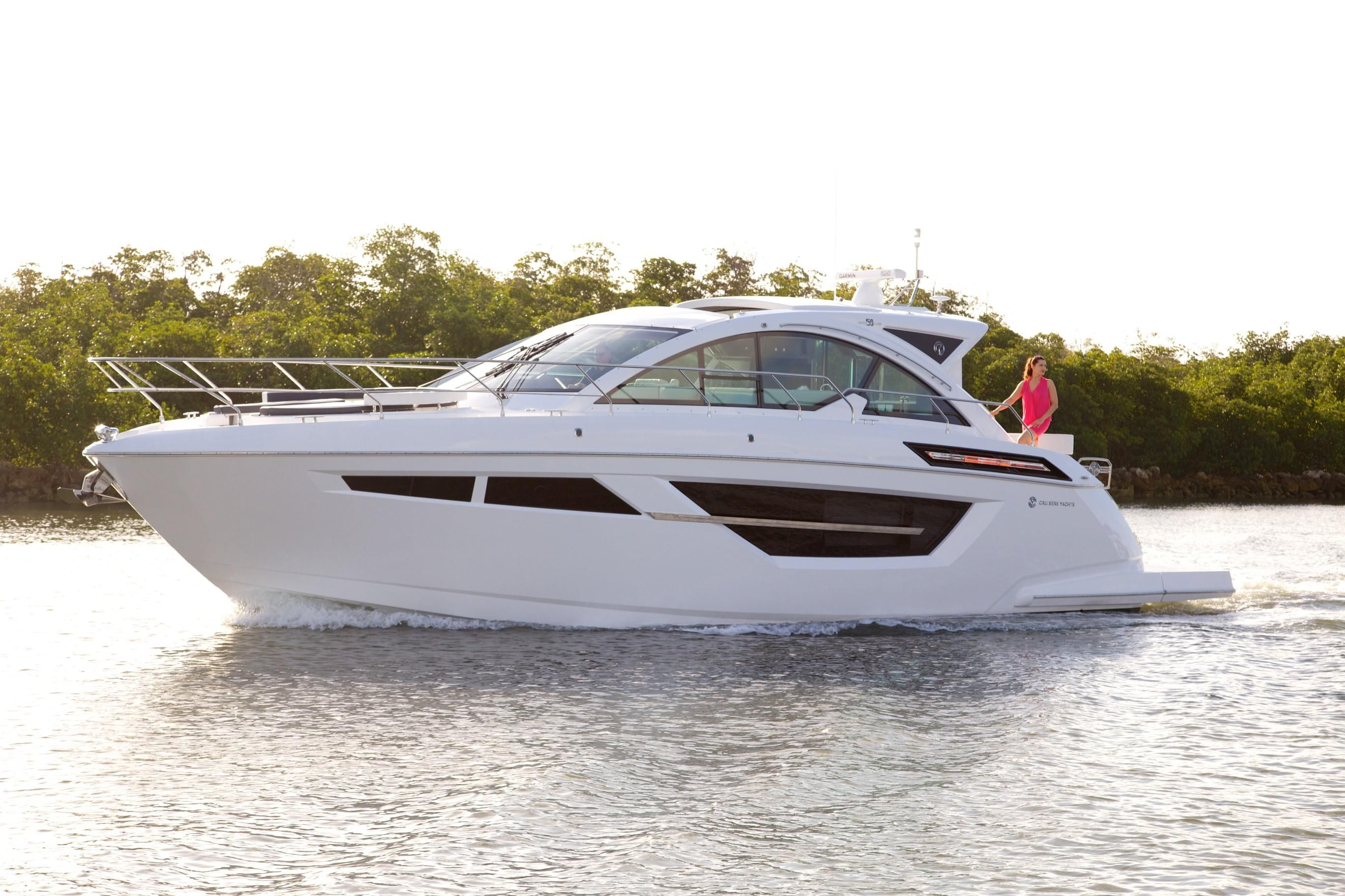 2018 cruisers yachts 50 cantius power new and used boats for 50 ft motor yachts for sale
