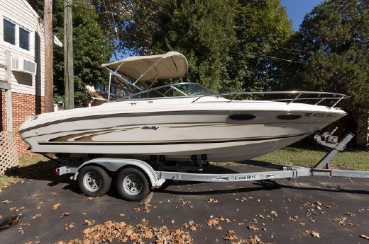 2001 Sea Ray 230 Overnighter