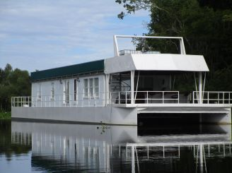 2002 Custom Houseboat 117' Custom Houseboat