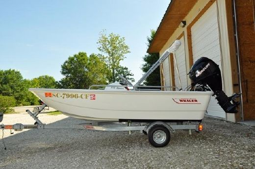 2013 Boston Whaler 110 Sport USED ONCE