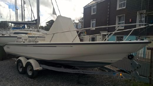 2007 Boston Whaler 220 Dauntless