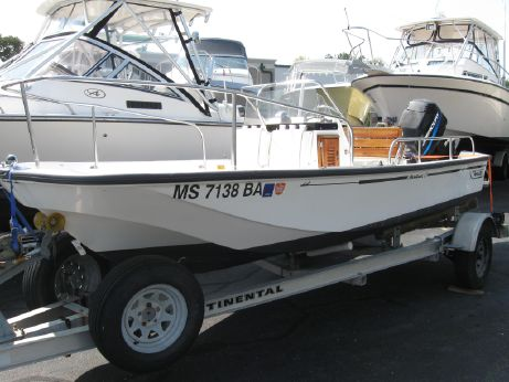 2001 Boston Whaler MONTAUK