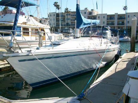 1998 Catalina Sloop w/Oceanside Slip