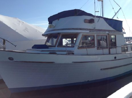 1976 Marine Trader 40 Double Cabin