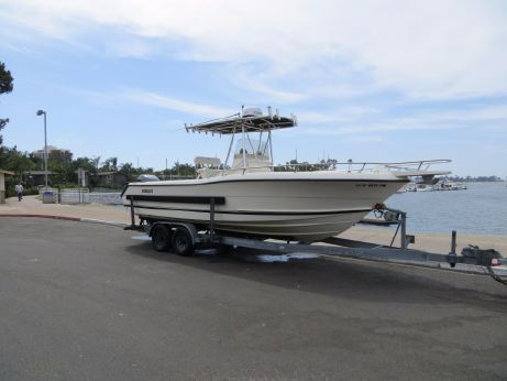 2002 Pursuit 2470 Center Console w/Trailer