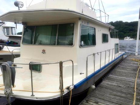 1978 Harbor Master Houseboat