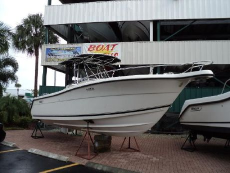 2003 Pursuit 2670 Cuddy Console