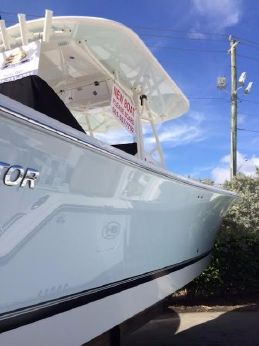 2015 Regulator 34 Center Console